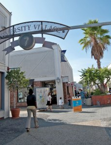 Slow day · Store owners at the University Village say business has been declining and fewer students have been visiting. Many owners say they may be forced to go out of business. - Vicki Yang | Daily Trojan