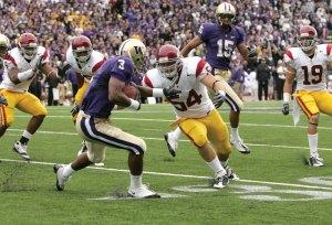 Familiar territory · Linebacker Chris Galippo (54) and the Trojans defense will again face a mobile quarterback in Oregon's Jeremiah Masoli. - Leah Thompson   Daily Trojan