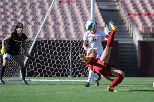 Can she kick it? · Senior midfielder Haley Boysen attempts a bicycle kick shot in the Trojans' 3-2 loss to the Arizona Wildcats on Saturday. - Nick Entin | Daily Trojan