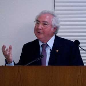 Author · Professor Manuel Castells discussed the relationship between the internet and social uprisings at Doheny Memorial Library. - Austin Vogel | Daily Trojan