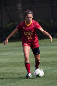 Setting the table · Junior midfielder Reilly Parker set up one of the Women of Troy's two goals against Utah with a beautiful corner kick. - Brian Ji   Daily Trojan