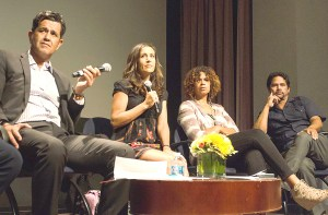 Coming together · Panelists discussed the importance of USC students engaging with the surrounding community at the Voices of South L.A. event, which took place Thursday evening in the Annenberg Auditorium.  - Benjamin Dunn | Daily Trojan