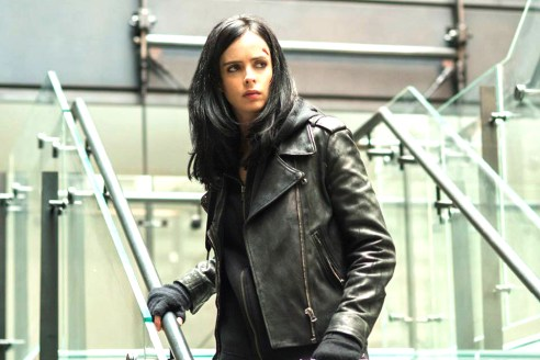 Superhero noir · Actress Krysten Ritter plays Jessica Jones, the protagonist of the eponymous television series on Netflix. Jones, equipped with superpowers, runs her own private investigation firm after her stint as a hero failed. The villain Kilgrave (David Tennant), however, pulls her back. - Photo courtesy of Netflix