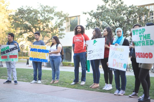 Horowitz's arrival on campus incited student protests outside Taper Hall before his speech. Kenneth Rodriguez-Clisham | Daily Trojan