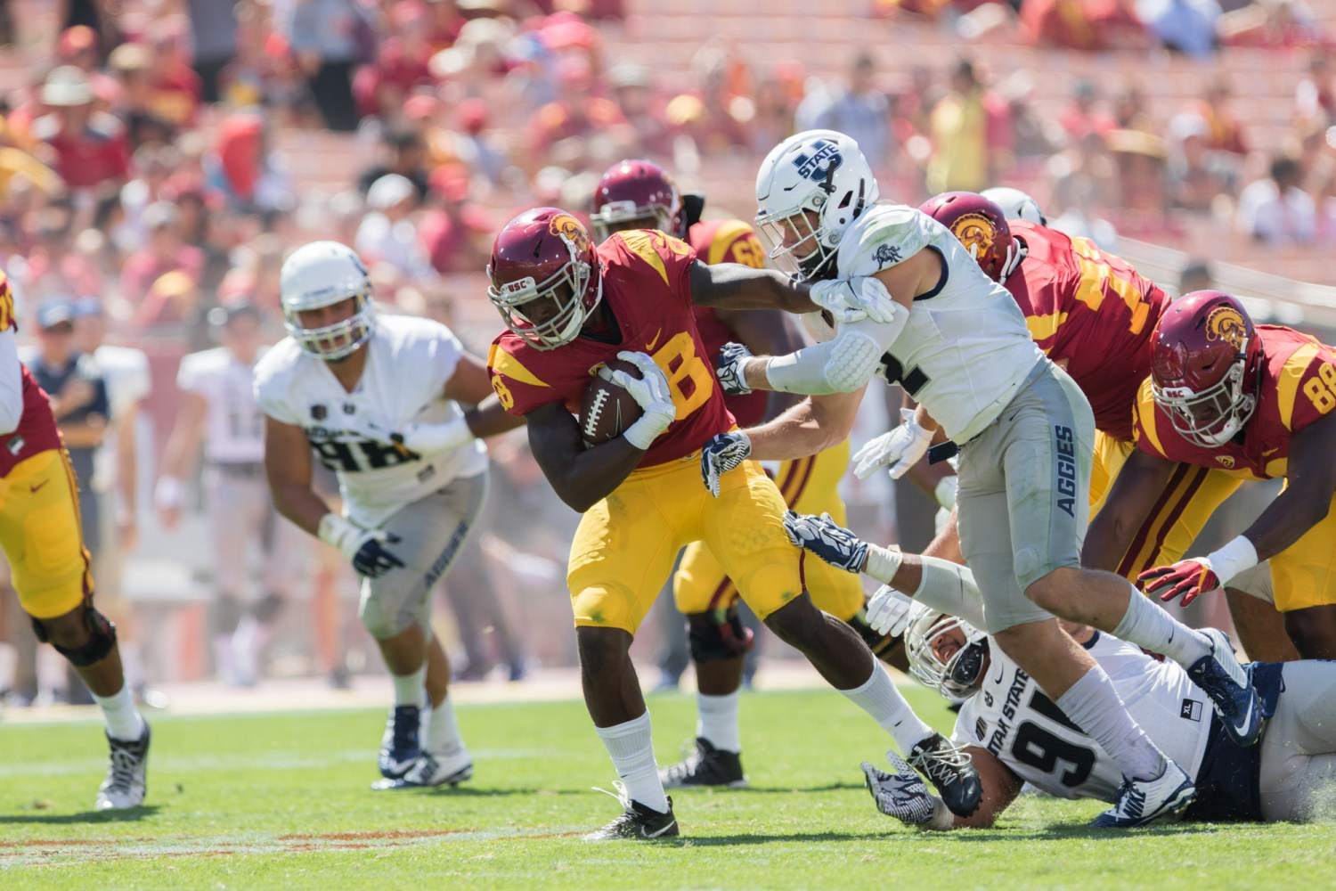 Nick Entin | Daily Trojan Redshirt freshman tight end Daniel Imatorbhebhe with his only catch of the game, a 7-yard gain.