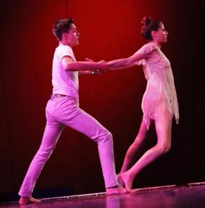 zach torres dancing