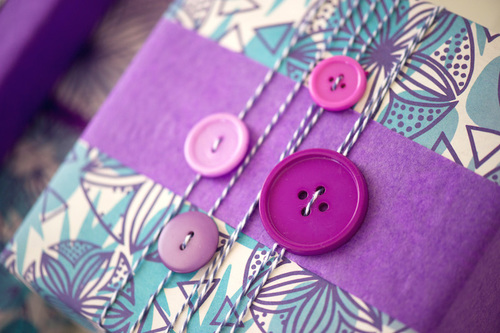 Button gift Wrap Wrapperly