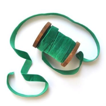 green-velvet-ribbon