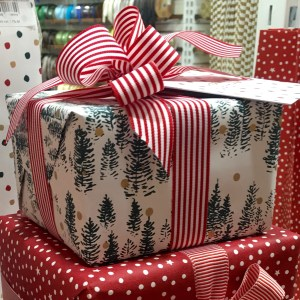 Christmas Tree Gift Wrap in Evergreen and Gold