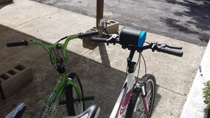 nyne cruiser attached to the bicycle
