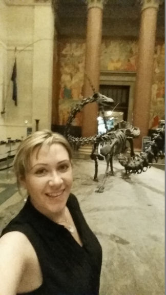 selfie with a dinosaur, museum of natural history