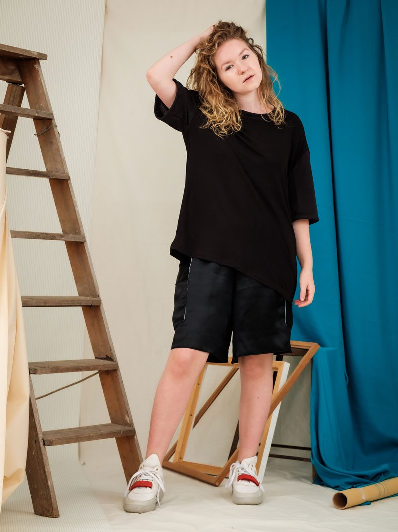 Oversized Black Tee ethical sustinable fashion handmade clothing
