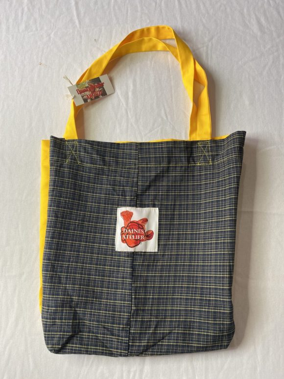 Tote bag in tartan yellow with long straps and gusset with Daines atelier logo
