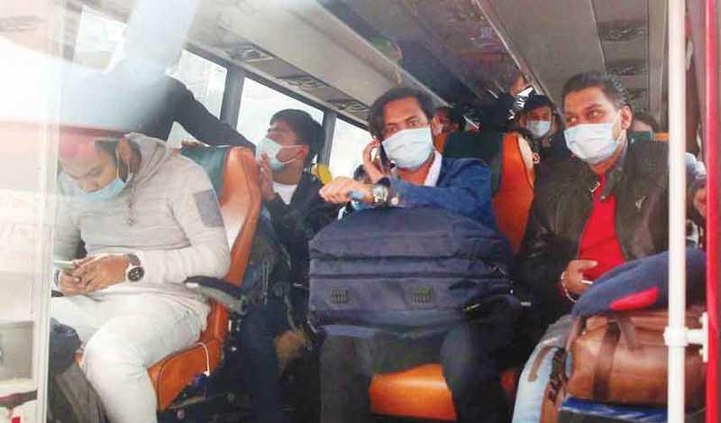 চীন থেকে ফিরলেন ৩১২ বাংলাদেশি ৮ জনের শরীরের তাপমাত্রা বেশি