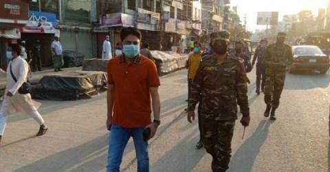করোনা: স্বাস্থ্য নিরাপত্তায় সেনা বাহিনীসহ ম্যাজিস্ট্রেটের বেনাপোল পরিদর্শন