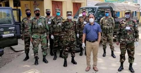 করোনা ভাইরাস ঝুঁকি মোকাবেলায়: তাহিরপুরে সেনাবাহিনীর প্রচারাভিযান