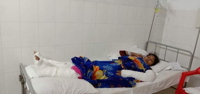 সাভারে ভাতিজিকে বেধড়ক পিটিয়ে মুমূর্ষু অবস্থায় সবজি খেতে ফেলে রেখে গেছে আপন চাচা