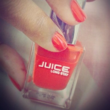 orange nailpaint