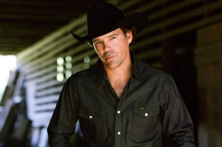 Oh look! Another gratuitous photo of Clay Walker. This one represents his mysterious and dark side.