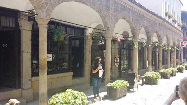 Hadji Nikoli Inn Exterior Colonnade