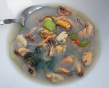 Mussles in broth