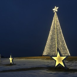 Kinnard_Farms-KF_Tree_and_Stars2