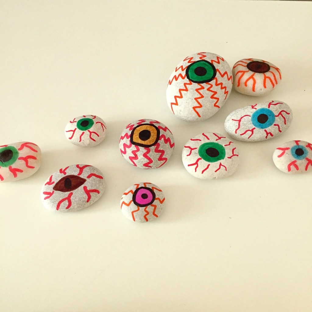pebble painting crafts, pebble painting for Halloween, spooky halloween crafts for kids, halloween activities for kids, pebble craft, painted rocks, rock craft, daisies and pie