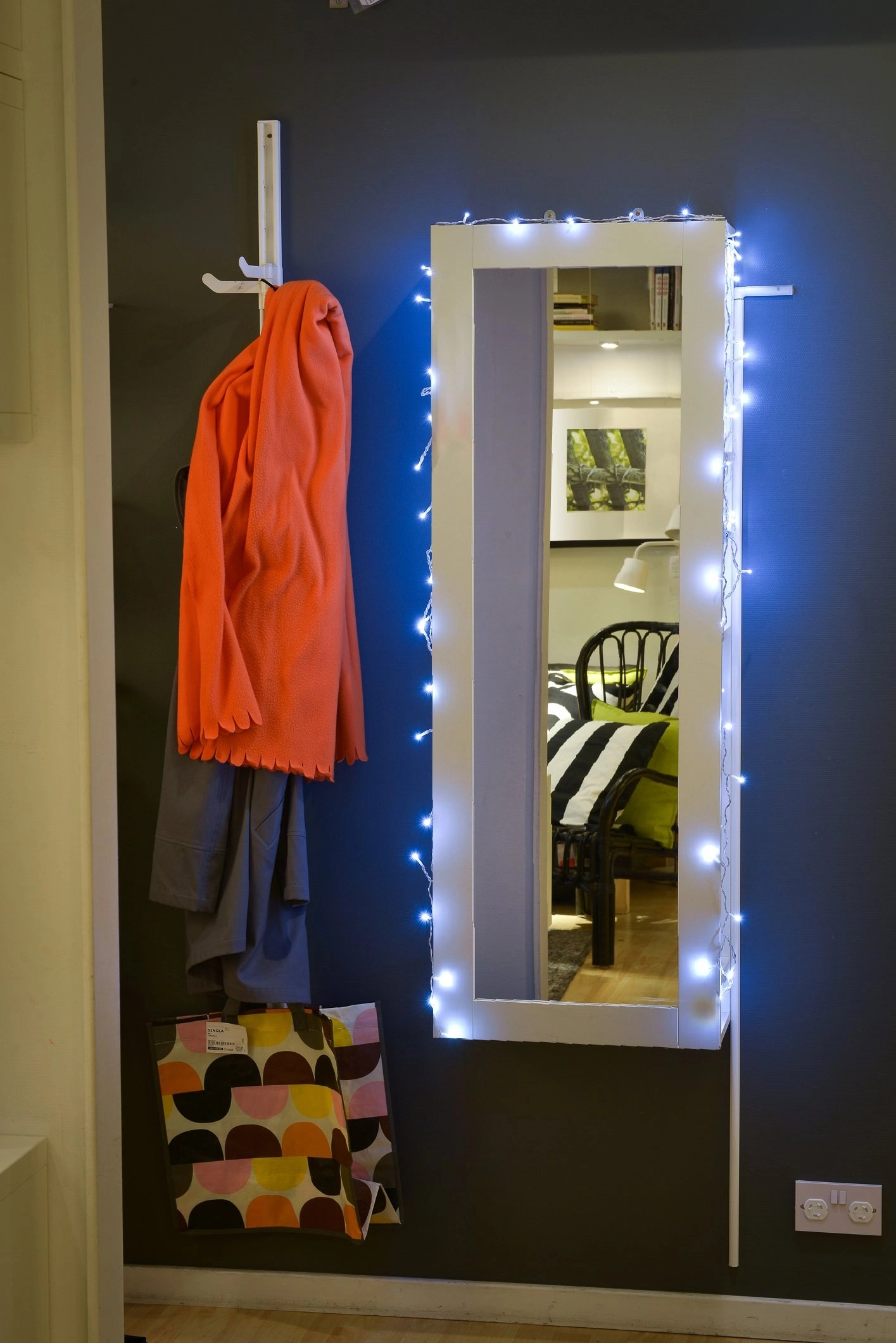 Bedroom fairy lights ikea - Become The Star Of Your Own Show And Decorate Your Mirror With Lights For A More Fabulous Reflection Ikea Fairy