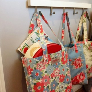 home organisation charity bag, how to organise a family home, homekeeping from daisies and pie