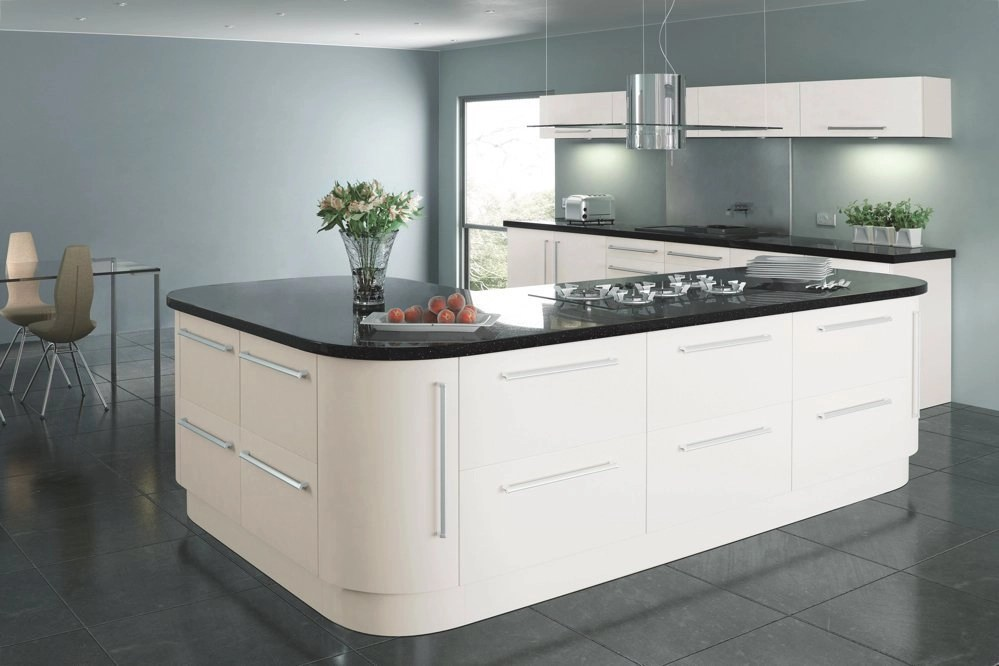 Capel Doba Ivory Kitchen, Capel kitchens, white kitchen, light kitchen designs, home style from daisies and pie
