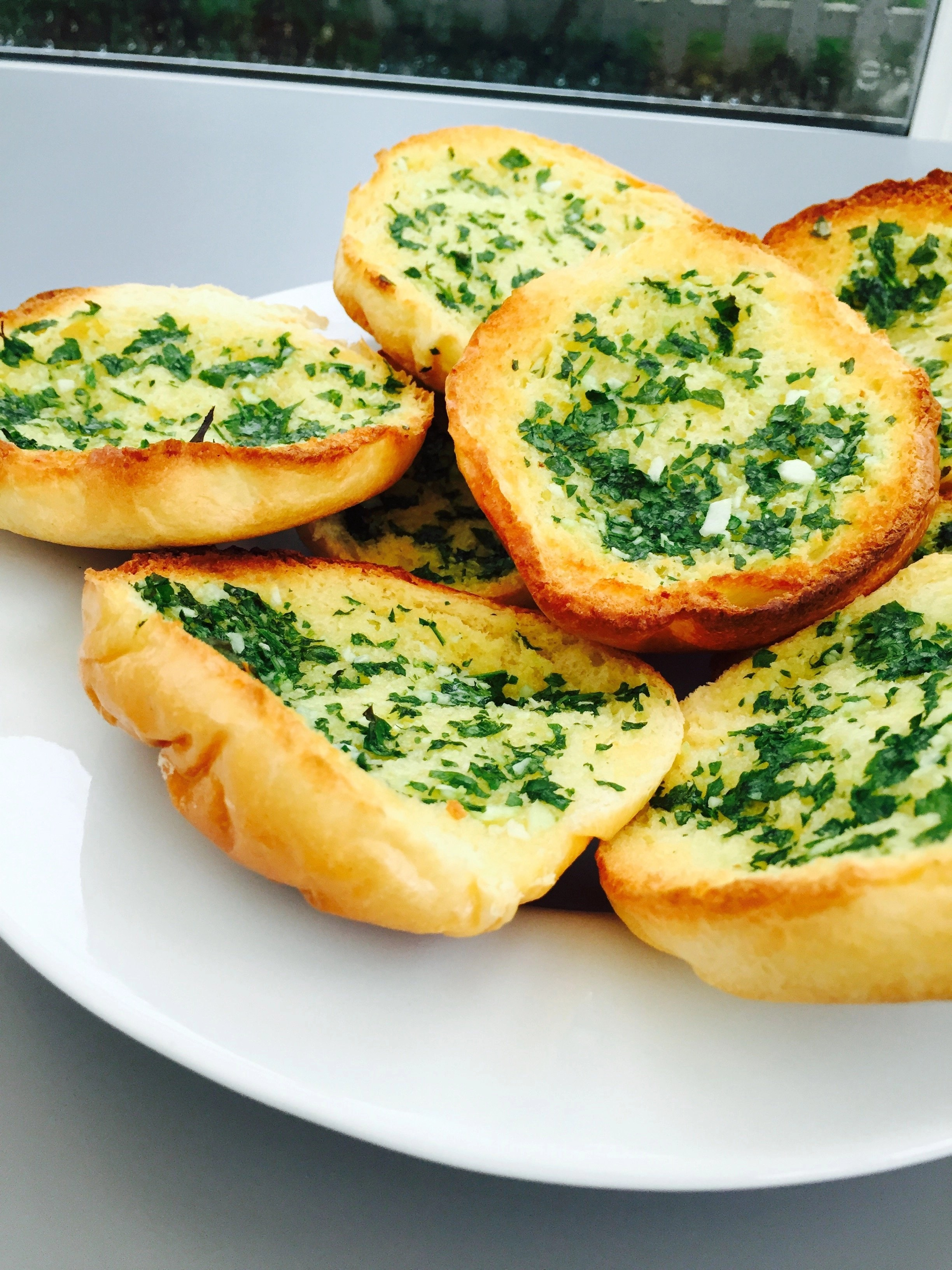 Brioche garlic bread daisies pie brioche garlic bread forumfinder Image collections