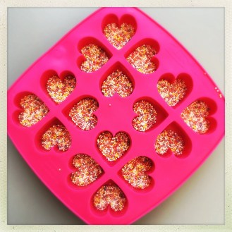 chocolate love heart recipe, homemade valentine's day gift, homemade mother's day gift, easy family food from daisies and pie