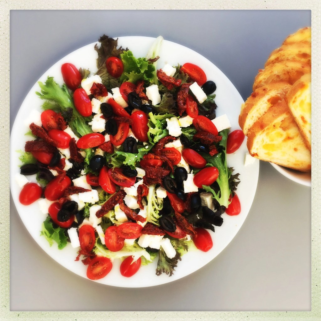 quick tomato and feta salad, easy lunch salad, things to make with feta, quick salad recipe, easy family food from daisies and pie
