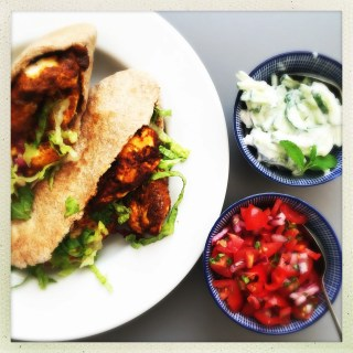 healthy chicken kebab recipe, chicken tikka kebabs, healthy kebab recipe, oven baked kebabs, healthy take away food, easy family food from daisies and pie