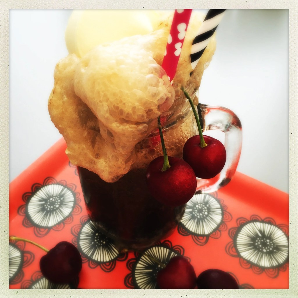 cherry coke float, how to make coke float, coke float recipe, ice cream soda, how to make ice cream soda, easy family food from daisies and pie
