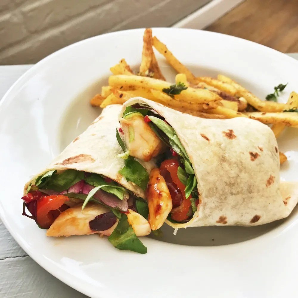 Sweet chilli chicken wraps