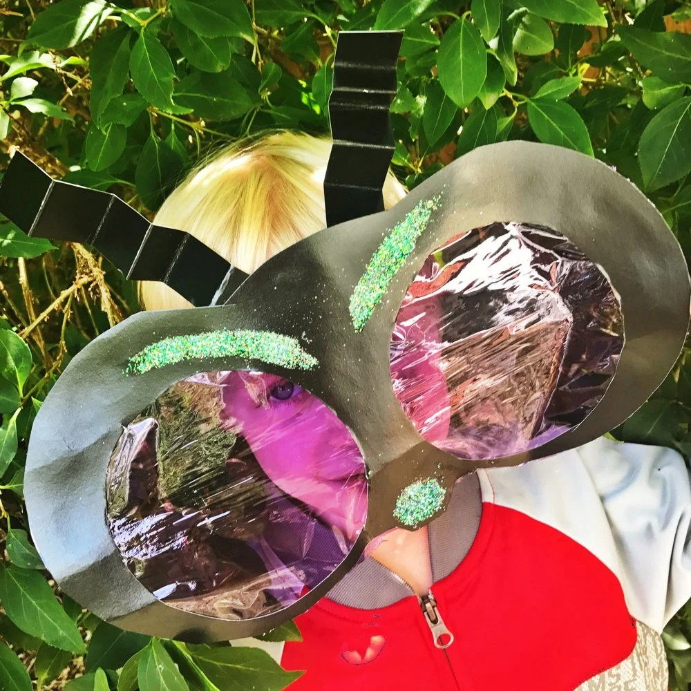 Brilliant nature craft for kids, how to make your own bug eye mask, halloween mask craft