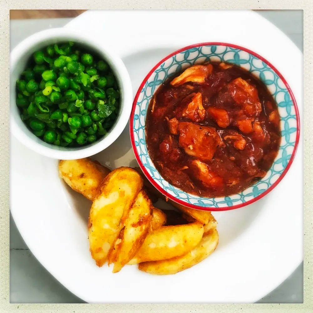 Slow cooker peri peri chicken casserole with wedges and chilli peas, easy slow cooker chicken recipes, family dinner recipes