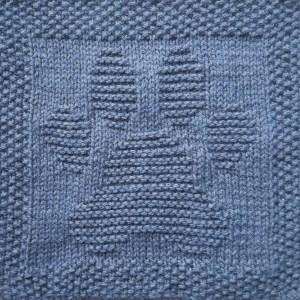 Free knitting pattern paw print washcloth or dishcloth or afghan square