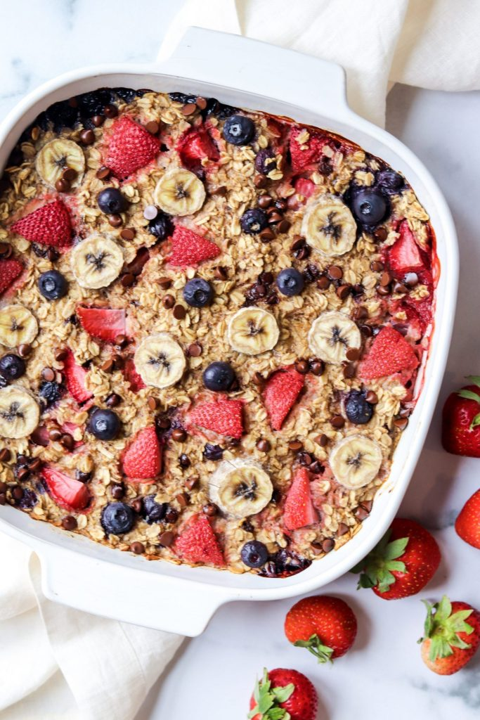 berry banana baked oatmeal