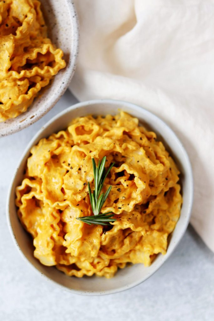 Pumpkin Alfredo pasta - Daisybeet