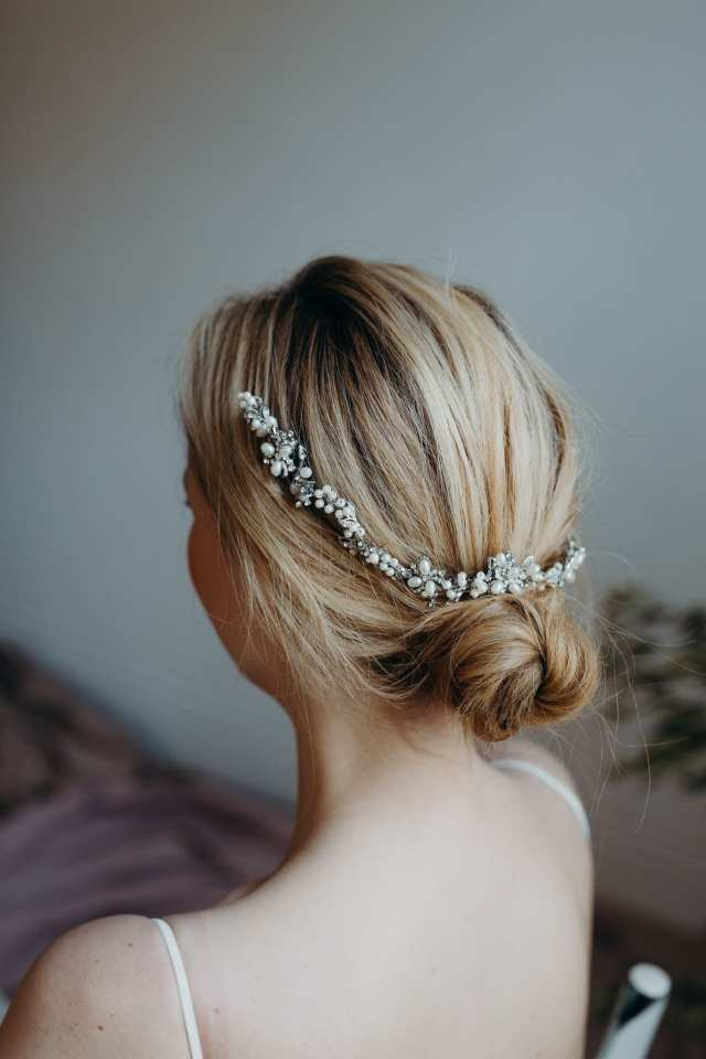chloe tiara (in rhodium)