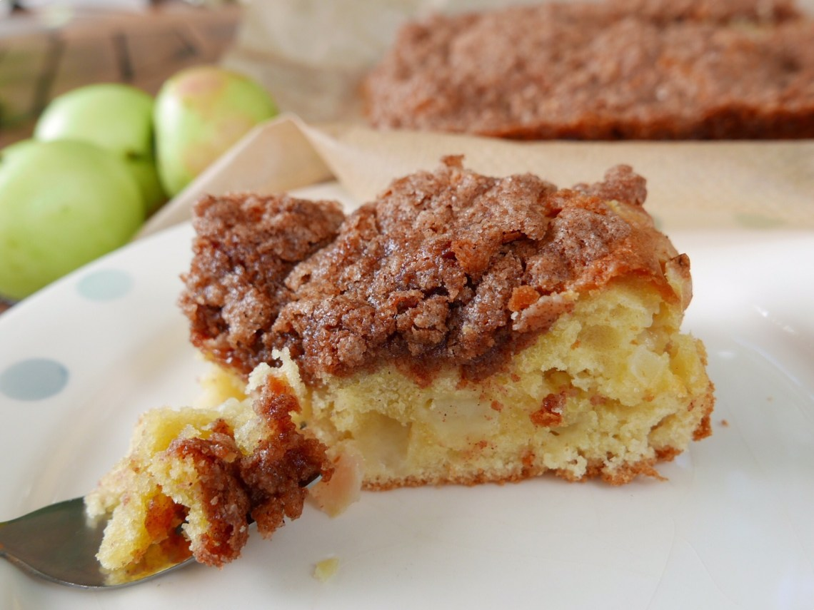 Cinnamon Apple Tea Cake