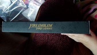Fire Emblem: Three Houses Seasons of Warfare Edition Box side