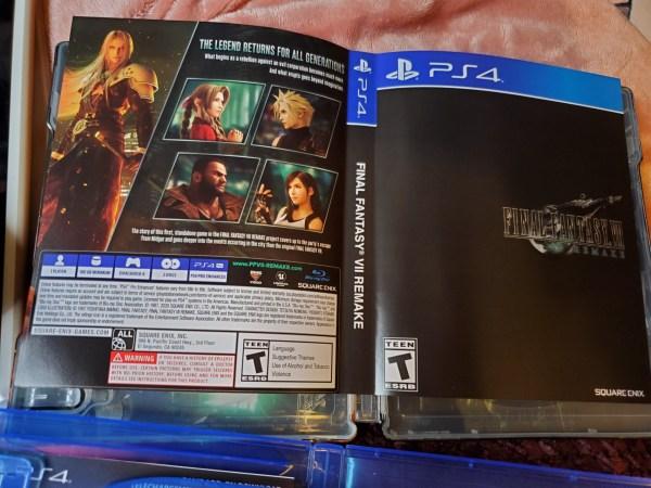 Final Fantasy VII Remake Premium Deluxe Edition reversible cover