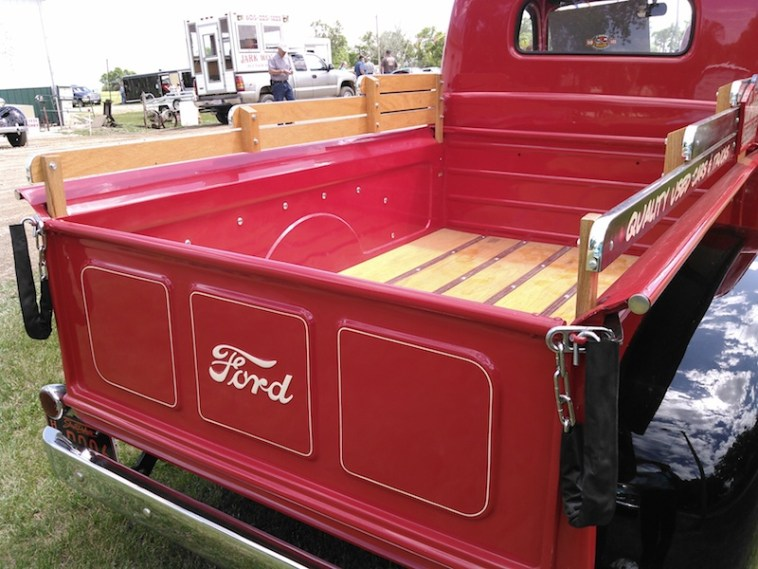 1949 Ford truck bed