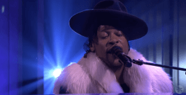 D'Angelo Sometimes it Snows in April Tonight Show Tribute screencap