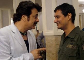 Akbar_Khan_with_'Big_Bully'_Dale_Bhagwagar