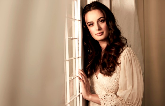 Evelyn Sharma - Pic 31