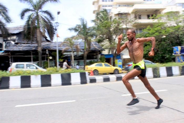 Samir Singh running in Mumbai. - Pic 4